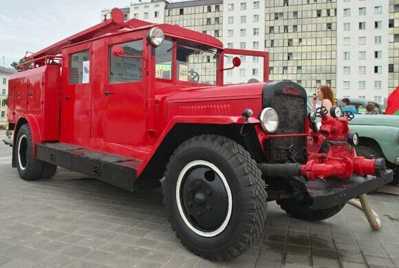 ПМЗ-8 в Витебске на площади Победы. Фото Сергей Серебро